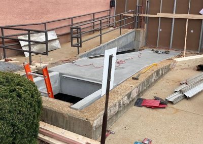 Mallinckrodt Pharmaceutical Building Handicap-Accessible Ramp